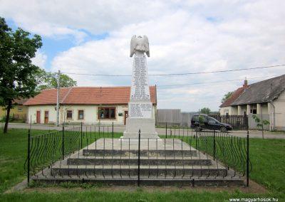 Hévízgyörk világháborús emlékmű 2014.05.05. küldő-kalyhas (8)