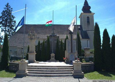 Hídvégardó világháborús emlékmű 2011.08.11. küldő-Pataki Tamás