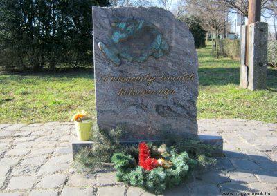 Hódmezővásárhely II. világháborús levente emlékmű 2015.02.14. küldő-Emese (1)