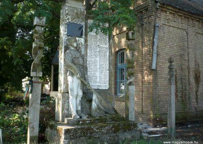 Hódmezővásárhely-Sóshalomhősi emlékmű 2014.07.17. küldő-Sümec (10)