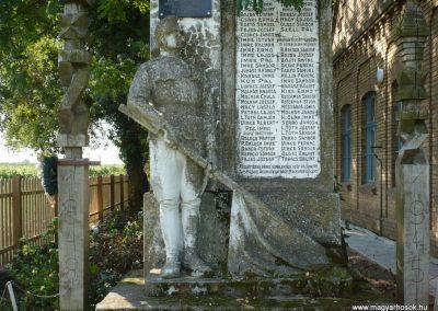 Hódmezővásárhely-Sóshalomhősi emlékmű 2014.07.17. küldő-Sümec (2)