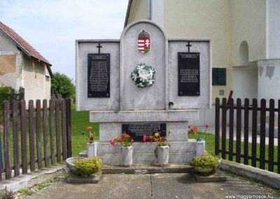 Hagyárosbörönd világháborús emlékmű 2007.08.25.küldő-HunMi