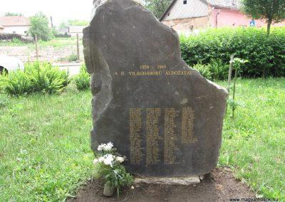Hajdúdorog I. és II. világháborús emlékmű 2007.06.01.küldő-Kályhás (5)