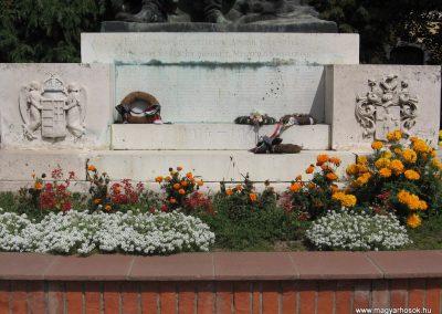 Hajdúnánás I.vh emlékmű 2007.08.23. küldő-Kályhás (2)