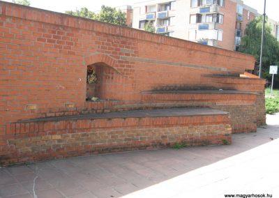 Hajdúnánás II.vh emlékmű 2007.08.23. küldő-Kályhás