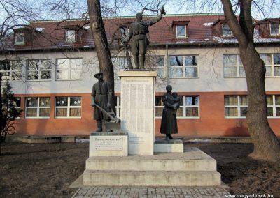 Hajdúsámson világháborús emlékmű 2014.02.07. küldő-kalyhas (1)