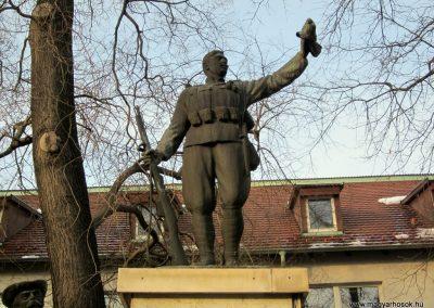 Hajdúsámson világháborús emlékmű 2014.02.07. küldő-kalyhas (2)