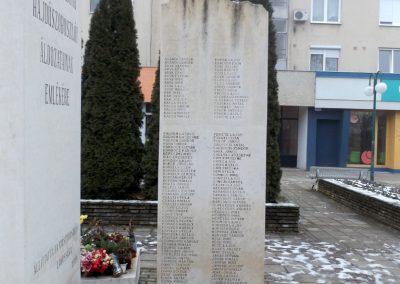 Hajdúszoboszló II. világháborús emlékmű 2018.01.28. küldő-kalyhas (3)