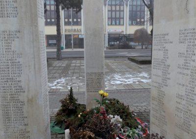Hajdúszoboszló II. világháborús emlékmű 2018.01.28. küldő-kalyhas (9)