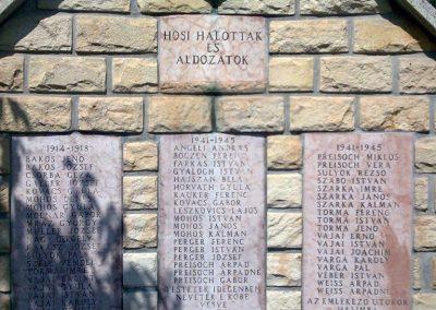 Halimba világháborús emlékmű 2009.08.25.küldő-Kriszti83 (1)