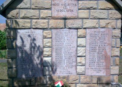 Halimba világháborús emlékmű 2009.08.25.küldő-Kriszti83 (2)