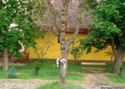 Halmaj I.vh kopjafa 2011.05.23. küldő-megtorló (1)