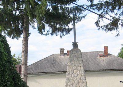 Hangony világháborús emlékmű 2008.09.14. küldő-Kályhás (2)