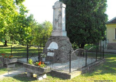Harasztifalu világháborús emlékmű 2009.09.02.küldő-Gyurkusz