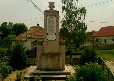 Harc világháborús emlékmű 2011.05.25. küldő-Csiszár Lehel (4)