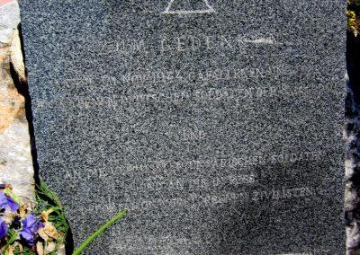 Harsány felújított II.világháborús emlék 2012.05.20. küldő-kalyhas (1)
