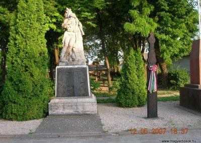 Harta I.világháborús emlékmű 2007.05.12. küldő-Markó Peti