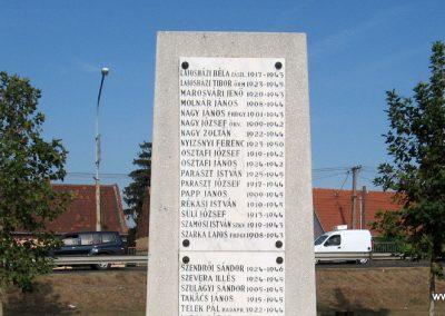 Hatvan II.vh emlékmű 2009.09.28. küldő-kalyhas (8)