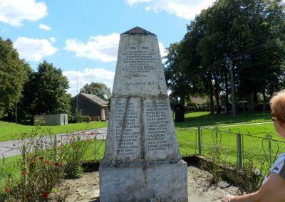 Hedrehely I. világháborús emlékmű 2014.08.28. küldő-Huber Csabáné (5)