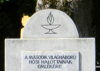 Hedrehely II. világháborús emlékmű 2014.08.28. küldő-Huber Csabáné (1)