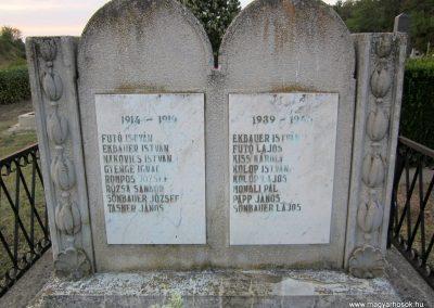 Hegyesd világháborús emlékmű 2013.08.22. küldő-kalyhas (2)