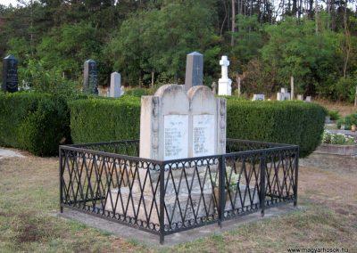 Hegyesd világháborús emlékmű 2013.08.22. küldő-kalyhas (5)