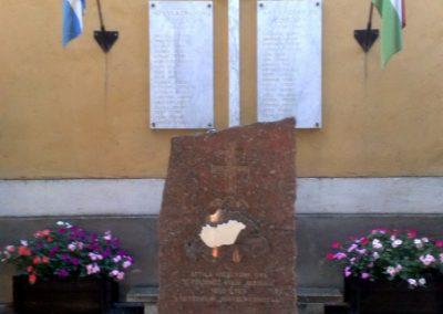 Hegymagas világháborús emlékmű 2010.08.05. küldő-Horváth Zsolt