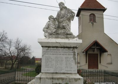 Hejőkeresztúr világháborús emlékmű 2007.11.20. küldő-Kályhás (1)