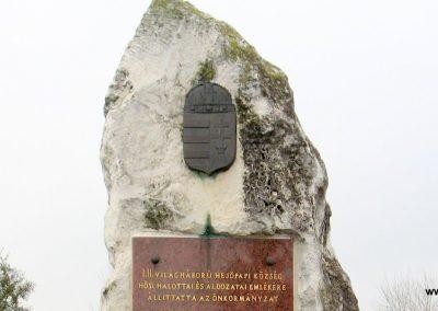 Hejőpapi világháborús emlékmű 2007.11.20. küldő-Kályhás (2)