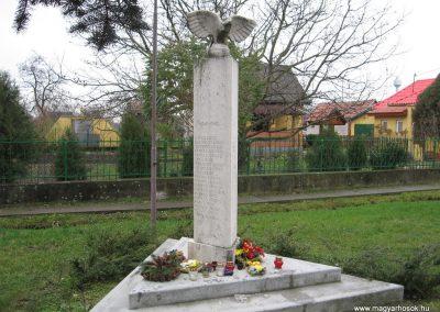 Hejőszalonta világháborús emlékmű 2007.11.20.küldő-Kályhás