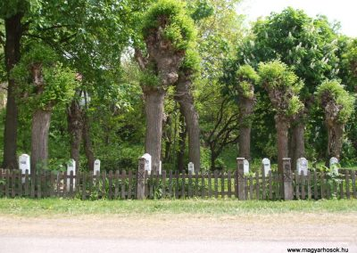 Hejce világháborús emlékmű 2009.05.02. küldő-Megtorló