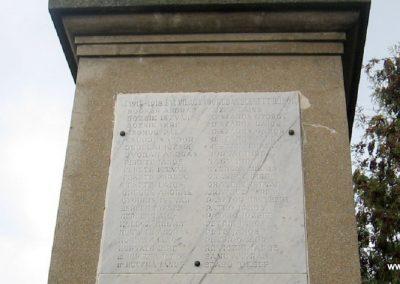 Heréd hősi emlékmű 2009.11.09. küldő-kalyhas (7)