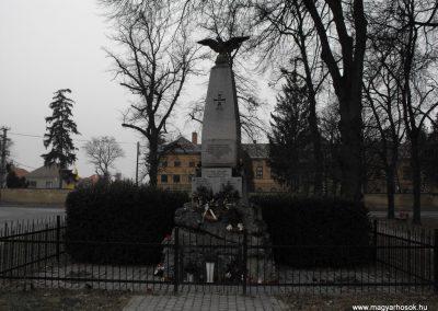 Herény világháborús emlékmű 2009.01.13.küldő-gyurkusz