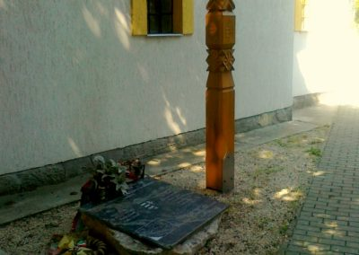 Herceghalom világháborús emlékmű 2011.05.24. küldő-Csiszár Lehel