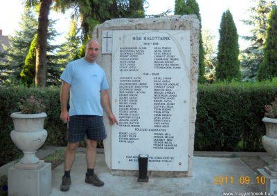 Herend világháborús emlékmű 2011.09.10. küldő-Kramlik Tamás (4)