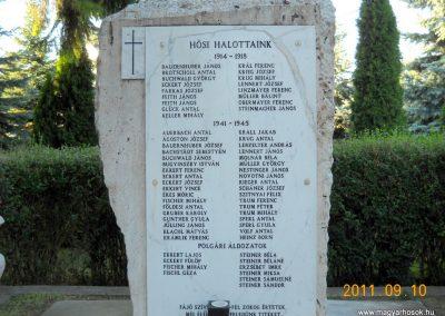 Herend világháborús emlékmű 2011.09.10. küldő-Kramlik Tamás
