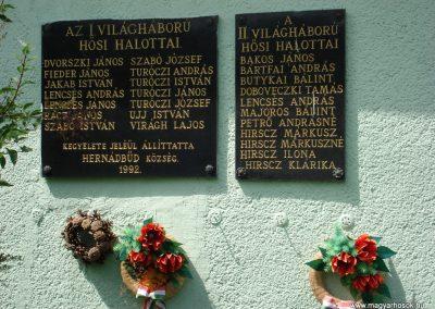 Hernádbüd világháborús emléktáblák 2011.08.10. küldő-megtorló (1)