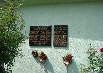 Hernádbüd világháborús emléktáblák 2011.08.10. küldő-megtorló