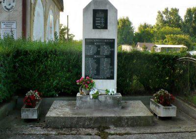 Hernádcéce világháborús emlékmű 2009.09.08.küldő-Gombóc Arthur