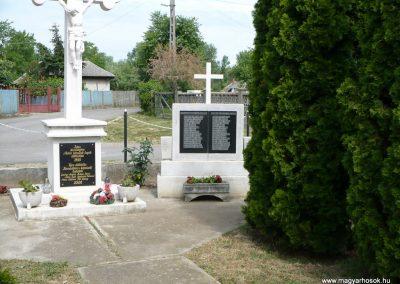 Hernádkércs világháborús emlékmű 2009.05.28.küldő-Gombóc Arthur (1)