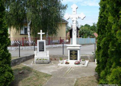 Hernádkércs világháborús emlékmű 2009.05.28.küldő-Gombóc Arthur (3)
