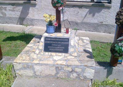 Hernádpetri világháborús emlékmű 2012.07.18. küldő-megtorló (2)