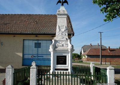Hernádszentandrás világháborús emlékmű 2011.05.17. küldő-megtorló (7)