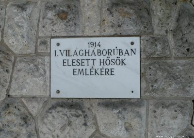 Hernádszurdok világháborús emlékmű 2009.12.21. küldő-Gombóc Arthur (1)