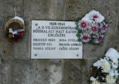 Hernádszurdok világháborús emlékmű 2009.12.21. küldő-Gombóc Arthur (2)
