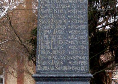 Hetes világháborús emlékmű 2008.06.19. küldő-Nerr (4)