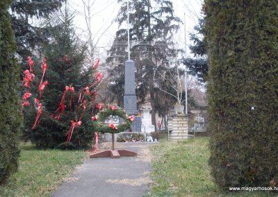 Hetes világháborús emlékmű 2008.06.19. küldő-Nerr