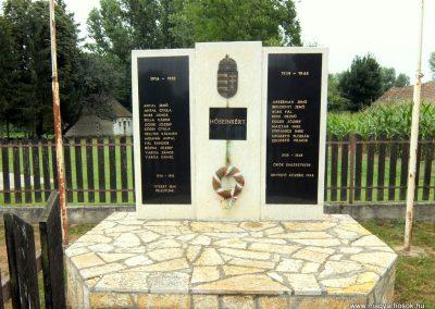 Hetyefő világháborús emlékmű 2015.07.27. küldő-Méri (3)
