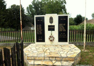 Hetyefő világháborús emlékmű 2015.07.27. küldő-Méri