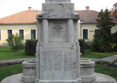 Heves I.vh emlékmű 2007.08.21. küldő-kalyhas (2)